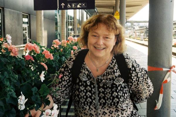 Ruth am Freiburger Bahnhof